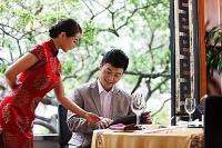 中国式沟通,饭局点菜神招,让你一劳永逸